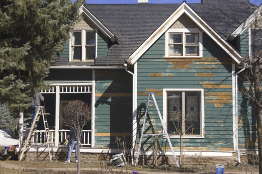 How to Tell If You Need to Touch Up Your Home's Paint Job