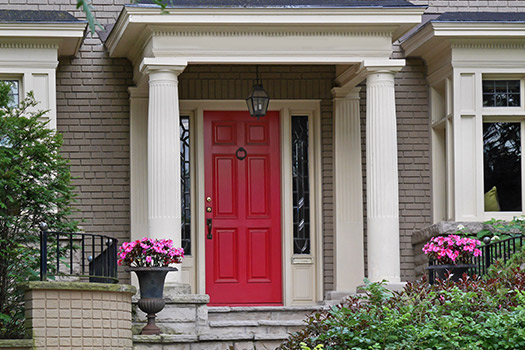 5 Amazing Colors to Paint Your Loft\'s Front Door