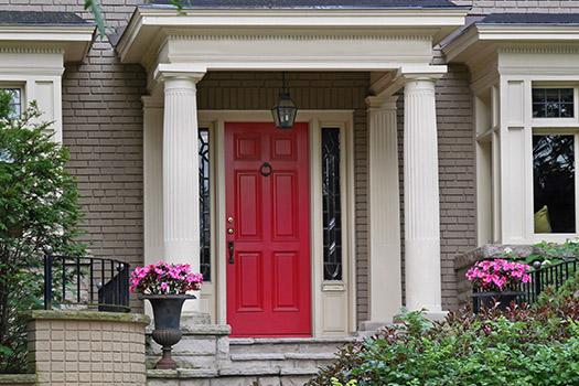 5 Amazing Colors to Paint Your Loft\'s Front Door