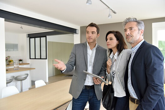 What to Look for When You're Viewing Real Estate to Buy