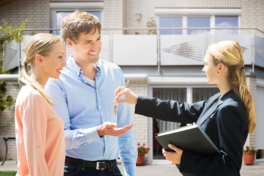 What Are the Cons of Working with Inexperienced Real Estate Agents?